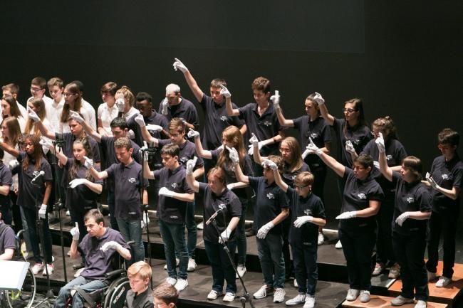 Coro manos blancas del Friuli
